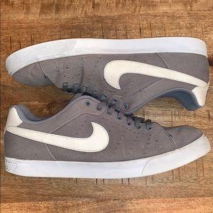 Nike sneaks